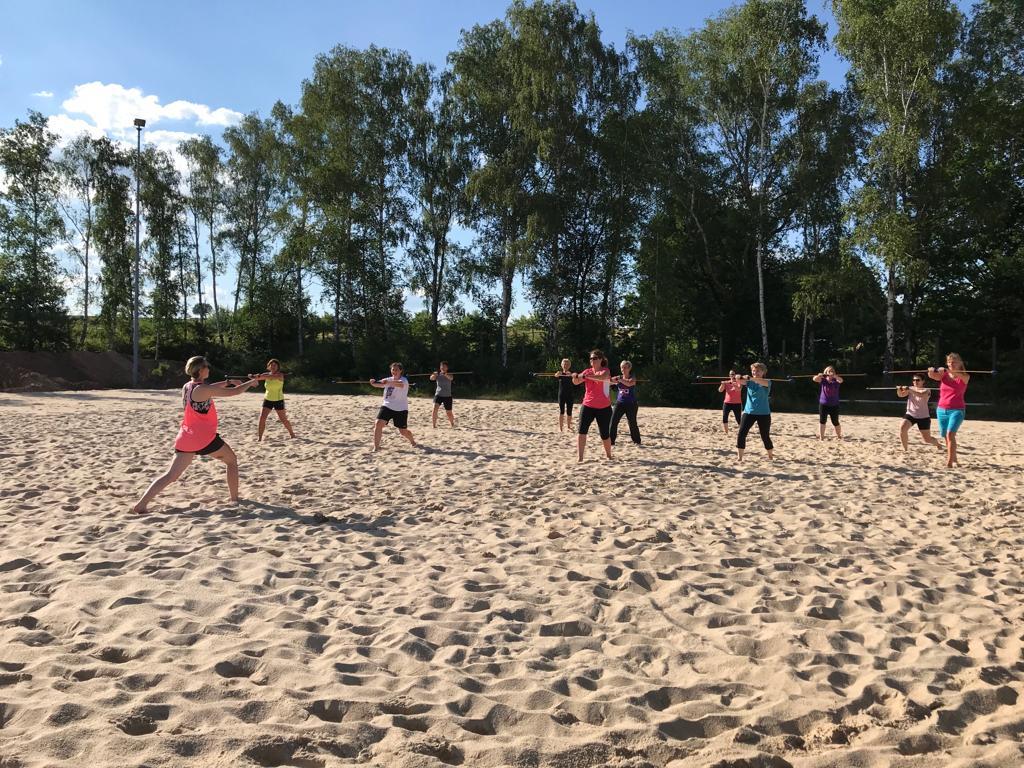 Gymnastik des TVM auf den Beachfeldern